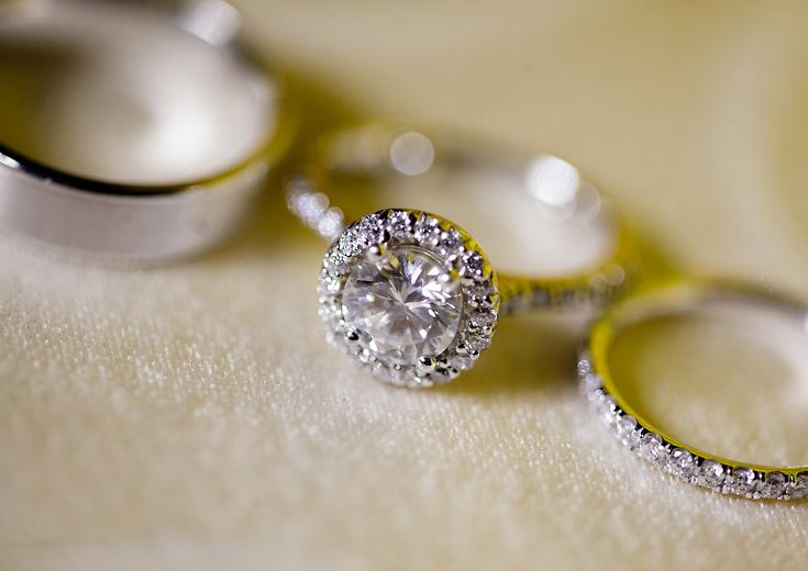 008-diamond-wedding-ring-detail-photo