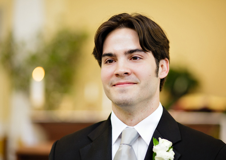 011-groom-sees-bride-down-aisle-photo