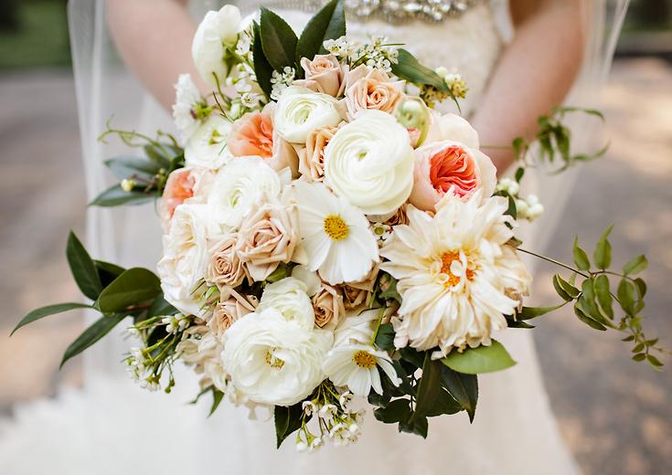 seattle-wedding-photographers-ballroom-wedding-photo-01